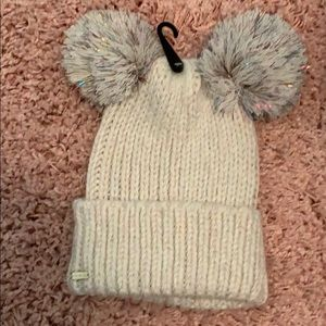 New Steve Madden double Pom Pom knit hat!
